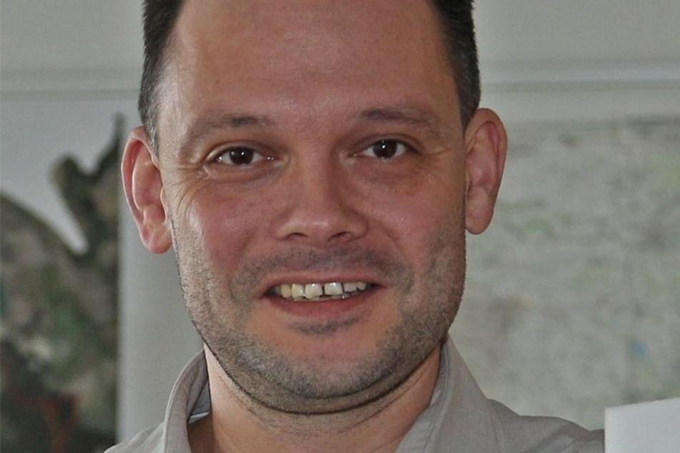 Ralf Hänsel ist seit 2012 Bürgermeister von Zeithain. Vorher hat er das Amt für Kreisentwicklung in Meißen geleitet. Hänsel lebt in Ockrilla.