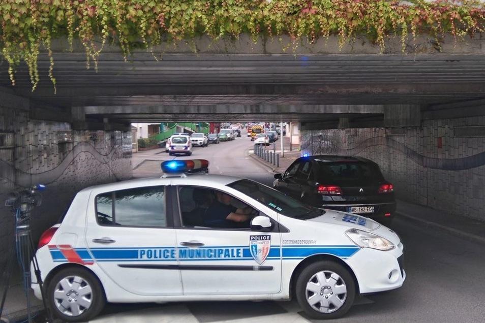 Nach dem Tod der Geisel ermittelt die Anti-Terror-Abteilung der Pariser Staatsanwaltschaft.