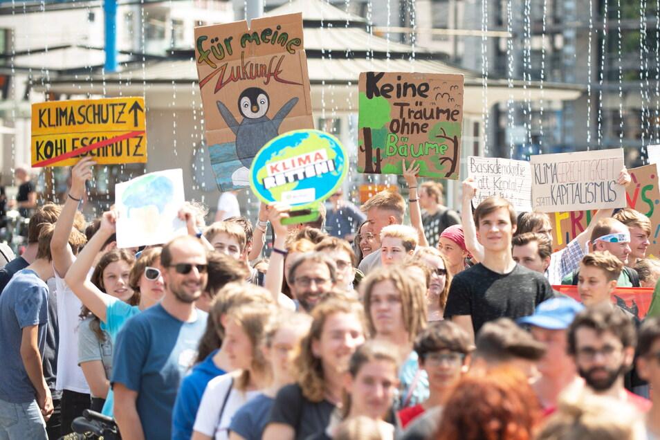 Klimademo auf dem Postplatz: 2019 war Fridays-for-Future fast jeden Freitag auf der Straße.