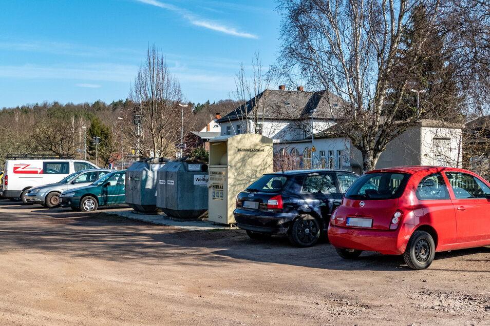 Eine Fläche direkt neben dem Bahnhaltepunkt in Westewitz wird von Zugreisenden gern zum Parken genutzt. Dort haben Reifenschlitzer zugeschlagen.