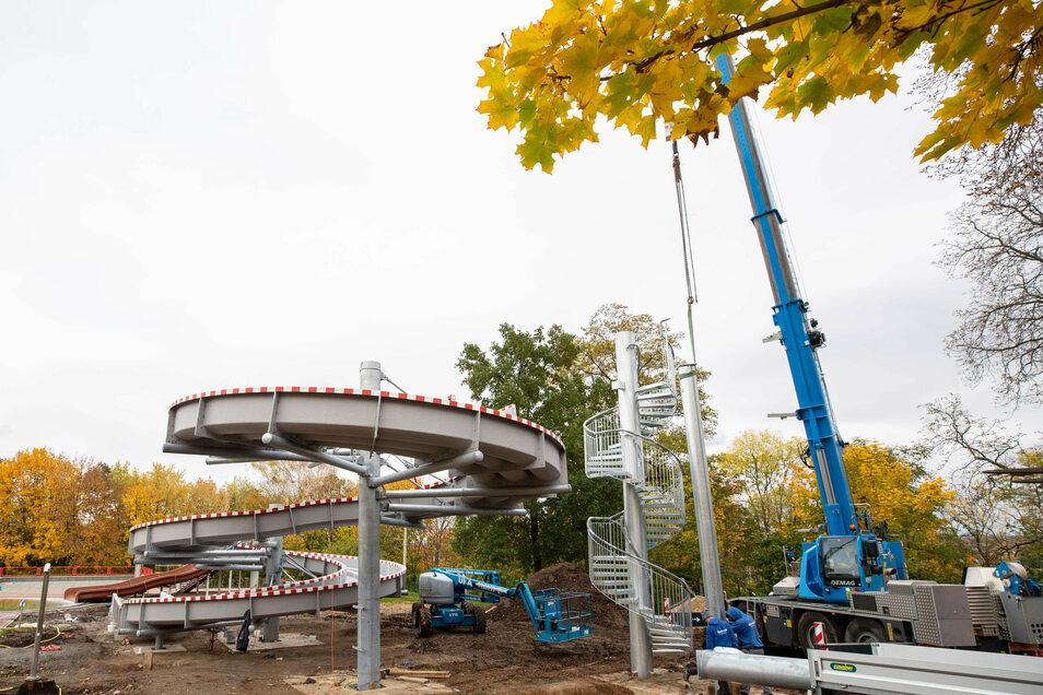 Noch viel Baustelle - und doch ist die neue Heidenauer Rutsche schon fast fertig.