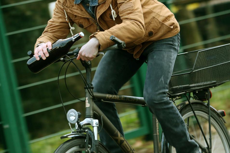 Auch für Radfahrer gibt es eine Promilleobergrenze - sie liegt mit 1,6 aber deutlich höher als die für Autofahrer.