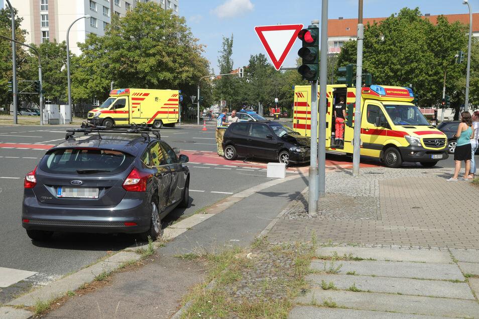 An beiden Unfallfahrzeugen entstand ein erheblicher Schaden.