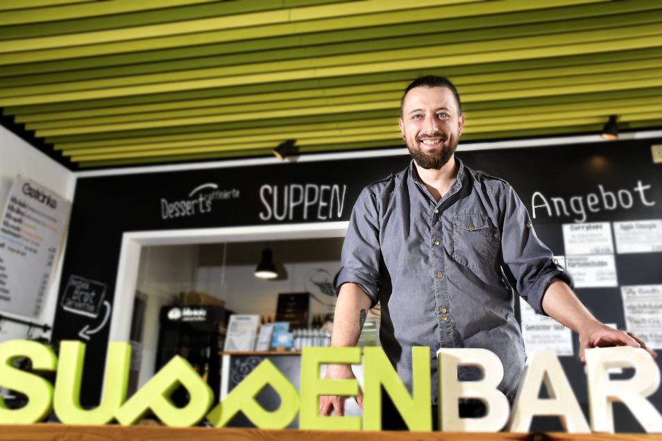 Martin Gröger, Inhaber Soulfood Suppenbar Radeberg, begrüßt die Senkung der Mehrwertsteuer. Damit könnten Gastwirte einen Teil der Mehrausgaben auffangen.