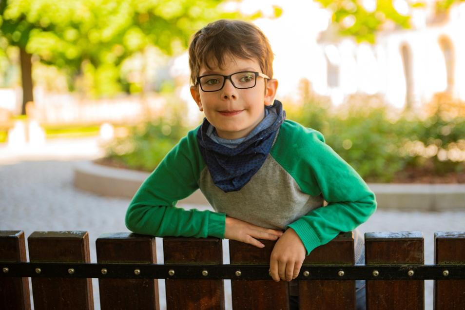 Ruben besucht die zweite Klasse. In seiner Familie sei alles ganz schön und deshalb wäre er selbst wunschlos glücklich. Etwas, dass er sich auch für andere Menschen erhofft.