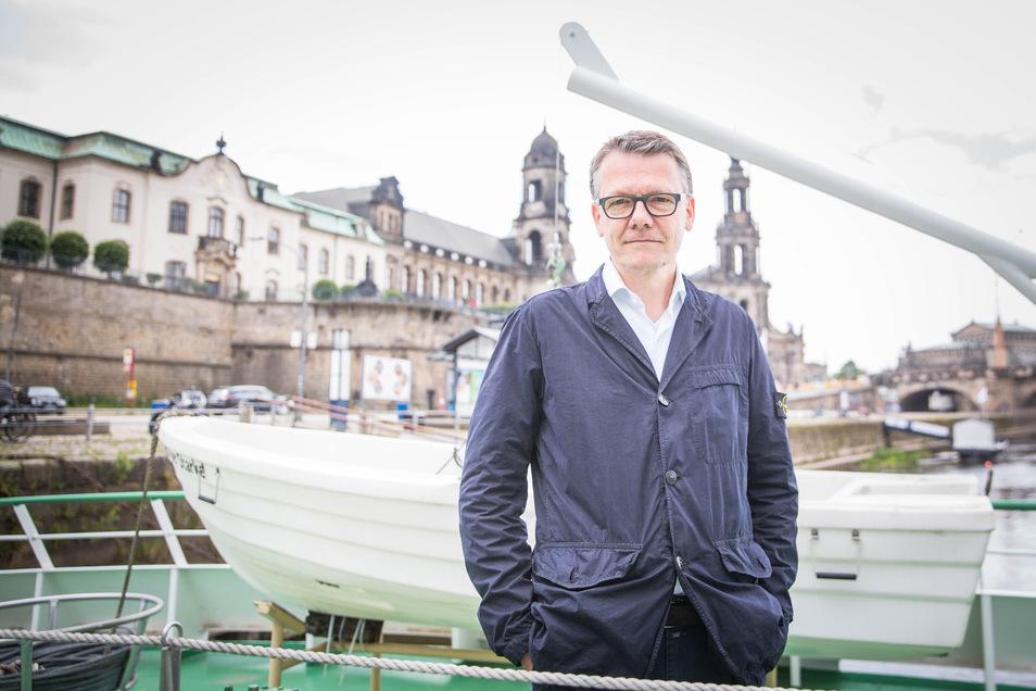 Sanierungsgeschäftsführer Burkhard Jung sucht Investoren für die Dresdner Dampfer. Jetzt hat sich der Weiße-Flotte-Verein bei ihm gemeldet.