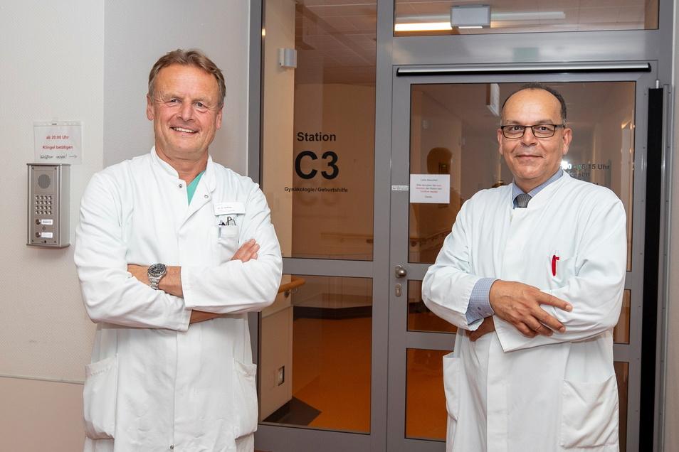 Der scheidende Gynäkologie-Chefarzt Dr. Klaus Haffner (l.) und sein Nachfolger Dr. Fakher Ismaeél: Es gibt nichts Schöneres, als ein Kind auf die Welt zu bringen.