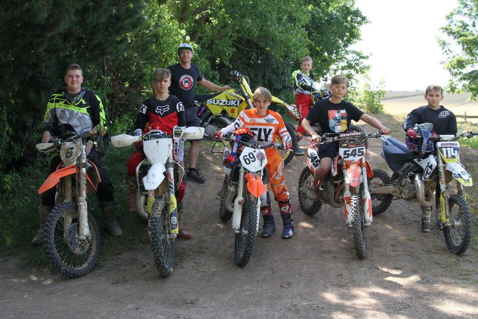 Im Motocross-Ferienlager wird Sport großgeschrieben. Aber auch für Entspannung ist gesorgt.