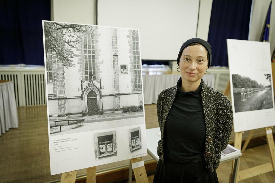 """Susanne Hopmann will in ihrem Projekt """"Friedliche Revolution"""" ein kleines Fenster an der Frauenkirche anbringen."""