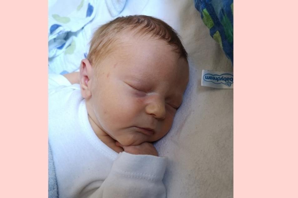 Leni Geboren am 19. Juli Geburtsort Kamenz Gewicht 3075 Gramm Größe 48 Zentimeter Eltern Paula und Michael Göpfert Wohnort Kamenz Foto: privat