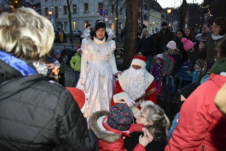 In diesem Jahr werden der Weihnachtsmann und die Schneekönigin nicht nach Glashütte kommen. Es findet kein Weihnachtsmarkt statt.