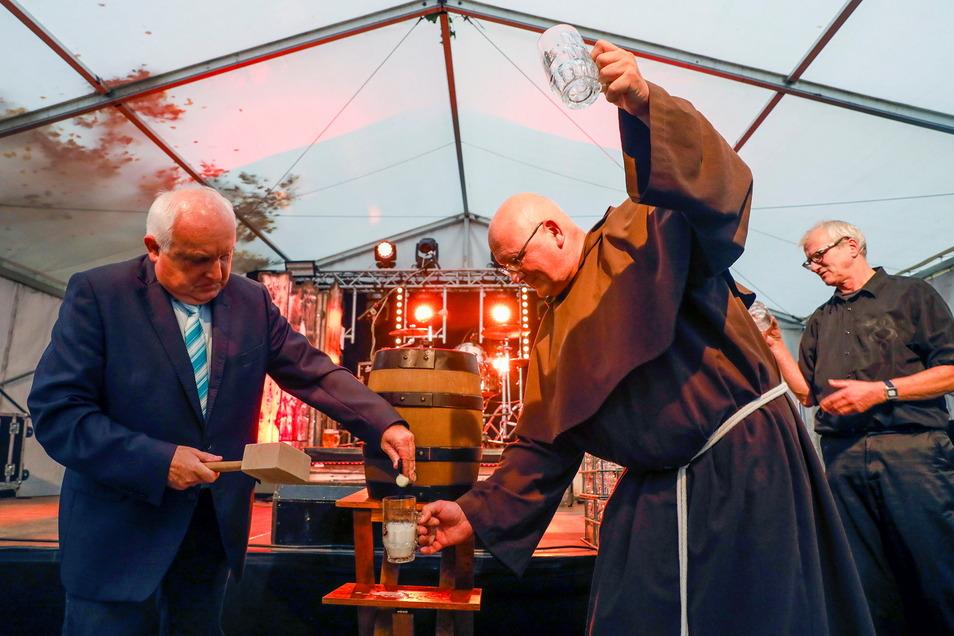 Zupackend und durchsetzungsstark war der OB immer - das konnte er beim Bieranstich zum Stadtfest gebrauchen.
