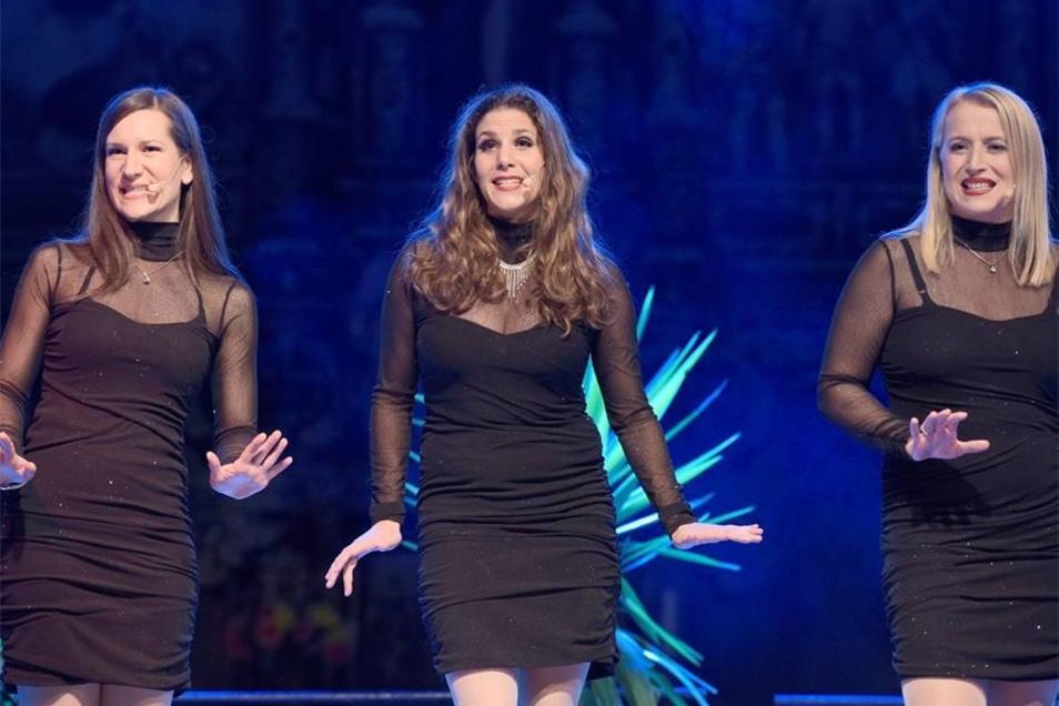 Die ShowBiss-Girls sangen Lullaby for Broadway.