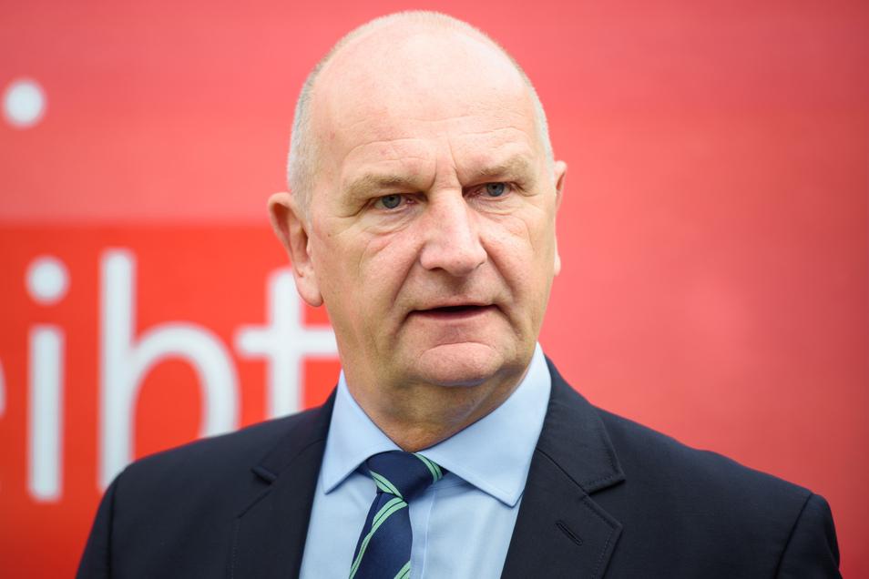 In Brandenburg wird am 1. September ein neuer Landtag gewählt. Ministerpräsident Dietmar Woidke geht für die SPD als Spitzenkandidat ins Rennen.