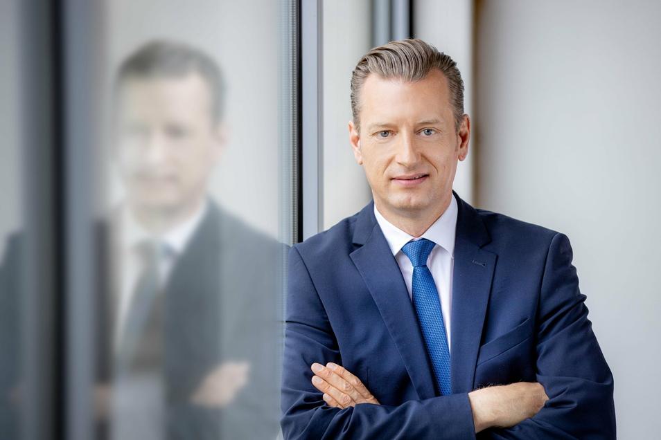 In einer zweistündigen Videokonferenz hat Torsten Hamann, Vorstandsvorsitzender der RHG Mittelsachsen, mit dem sächsischen Ministerpräsidenten Michael Kretschmer (kl. Foto) über weitere Strategien während der Corona-Pandemie gesprochen.