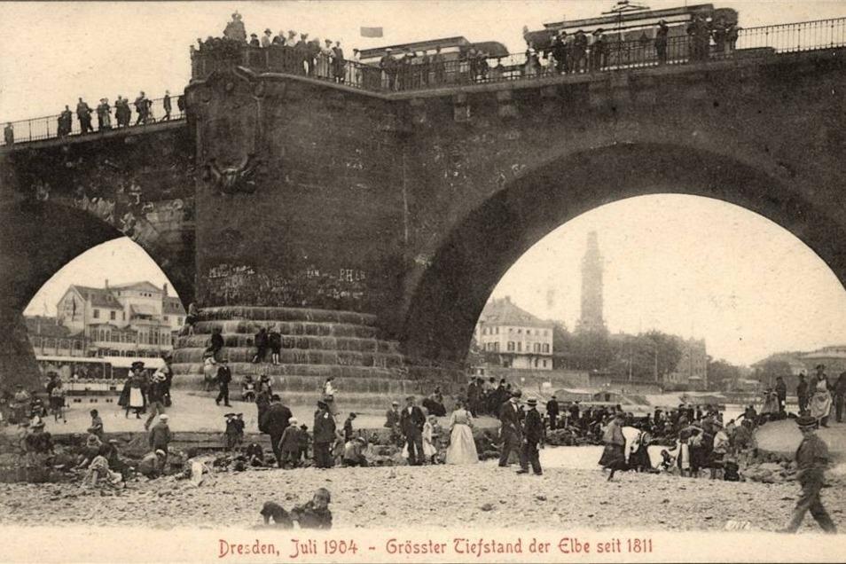 Seit Ende Mai 1904 hatte es kaum noch geregnet. Der Elbpegel fiel ständig.