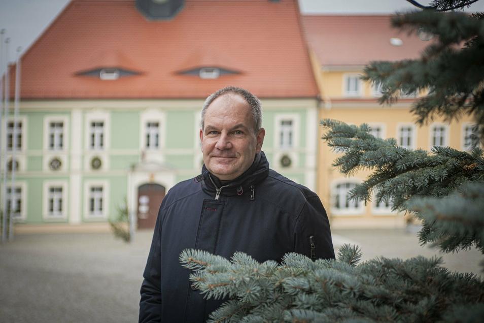 Frank Wachholz, Bürgermeister von Elstra, blickt mit gemischten Gefühlen auf das zu Ende gehende Jahr zurück. In der Stadt wurde viel geschafft, aber die Corona-Pandemie sorgt für so manche Herausforderung.