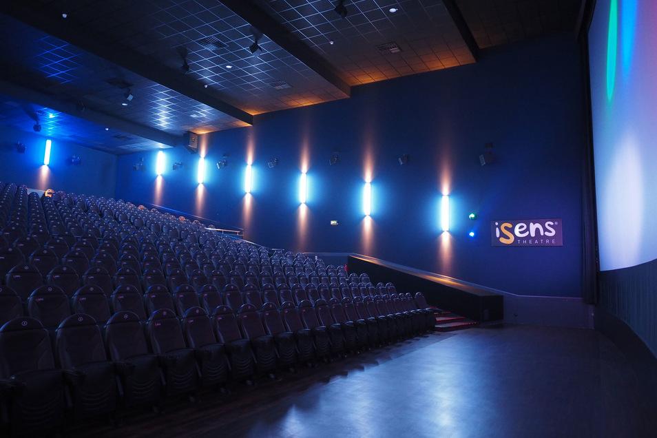 Kinosaal im UCI mit iSense: 3D Soundsystem, komfortable Luxussessel auf allen Plätzen, größtmögliche Riesenleinwand perfekte 4K-Digitalprojektion.