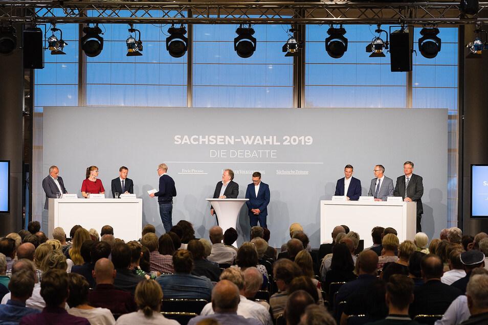 Die Spitzenkandidaten von links: Rico Gebhardt (Linkspartei), Katja Meier (Grüne) und Michael Kretschmer (CDU) diskutierten mit Martin Dulig (SPD, 3.v.r.), Jörg Urban (AfD, 2.v.r.) sowie Holger Zastrow (FDP, r.).