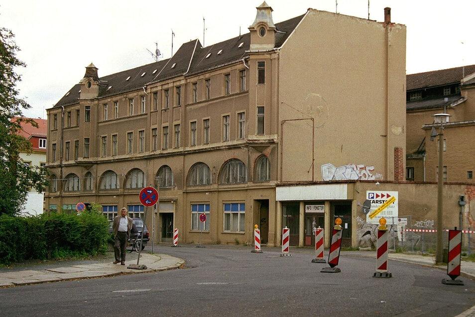 So sah zuletzt das Wilhelmstheater aus, das als Karl-Marx-Klubhaus durch die DDR gekommen war. Es musste dem City-Center Platz machen.