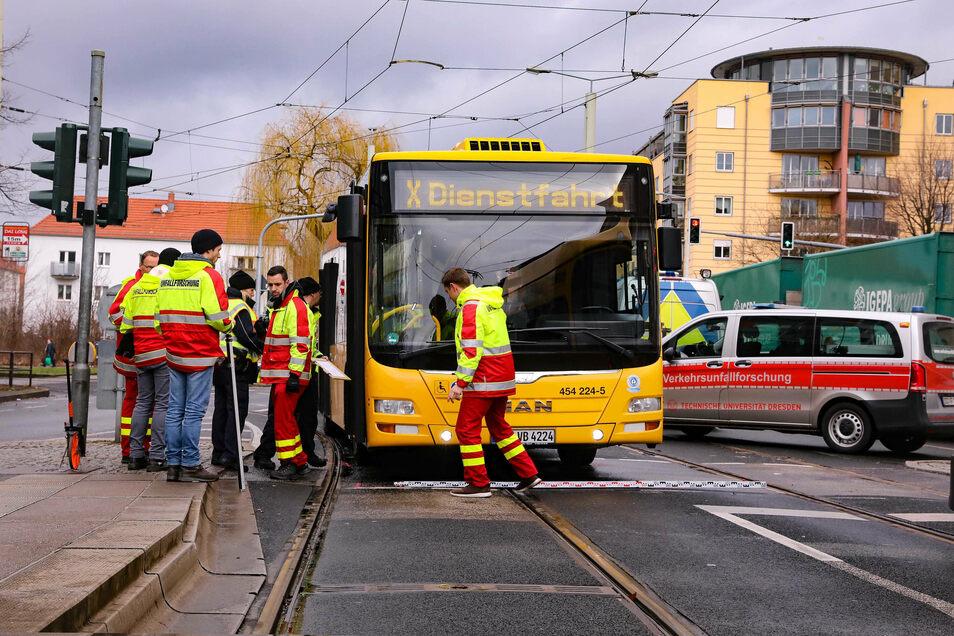 Das war einer von 137 Unfällen mit Linienbussen zwischen Januar und Oktober 2020. Eine Frau wurde von dem Bus an der Haltestelle Zwinglistraße erfasst.