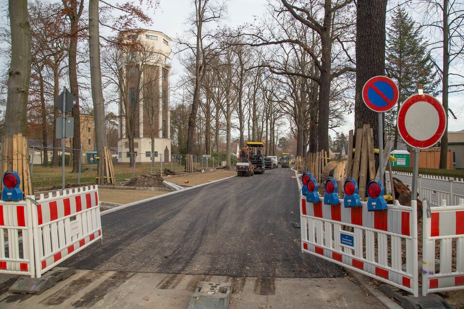 Seit mehr als einem halben Jahr wird an der Plittstraße (im Foto) und der Gersdorfstraße in Niesky gebaut. Das hat jetzt ein Ende.