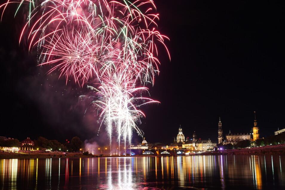 Das Abschlussfeuerwerk ist Tradition beim Dresdner Stadtfest.