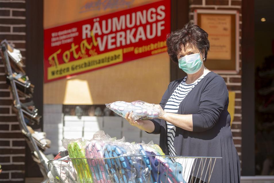 Ausverkauf mit Maske: Ramona Schönfeld.