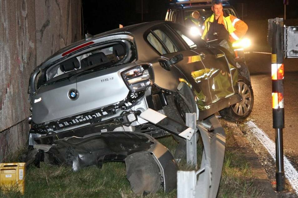 Die beiden Insassen eines 1er BMW kamen bei einem schweren Unfall auf der A4 in der Nacht zum Mittwoch noch einmal glimpflich davon.