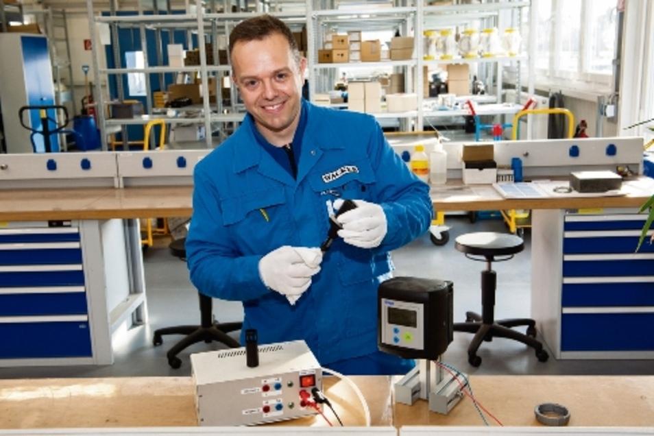 Dirk Herold aus Großenhain arbeitet als Elektrotechniker bei Wacker Nünchritz.