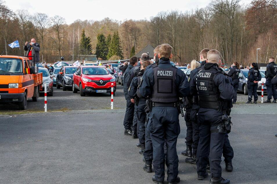 Mit einem Großaufgebot war die Polizei im Einsatz.