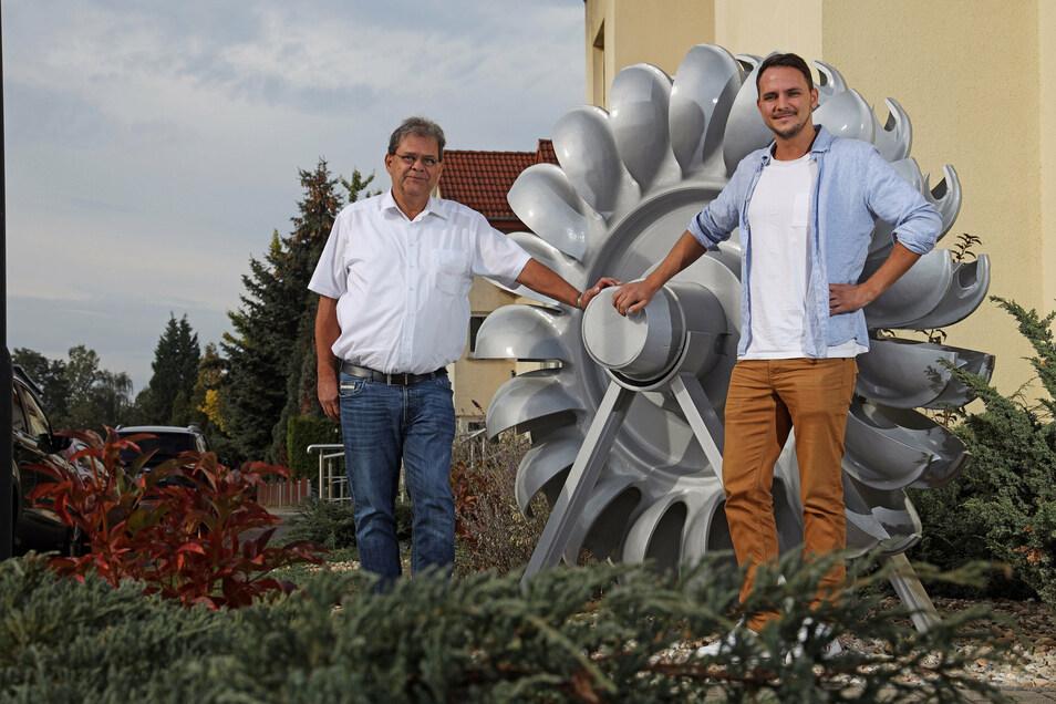 Spezialisiert auf Stahl: Michael und Marcel Voß von der gleichnamigen Unternehmensgruppe loben jetzt 20.000 Euro für regionale Projekte aus.