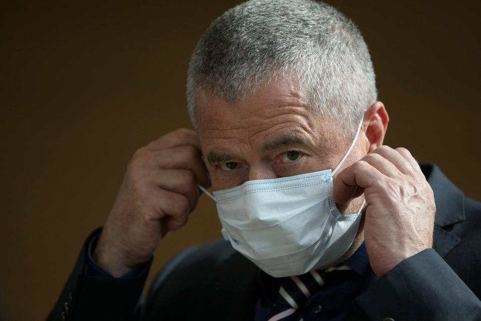 Landrat Michael Geisler besprach am Donnerstag mit den Bürgermeistern des Landkreises die nächsten Schritte im Kampf gegen die Corona-Epidemie. Natürlich unter Beachtung der entsprechenden Hygienevorschriften.