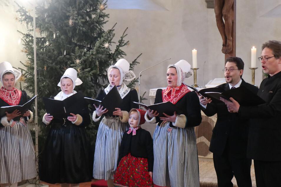 Das neue Gesangbuch wird bei der Vorstellung natürlich auch akustisch präsentiert.