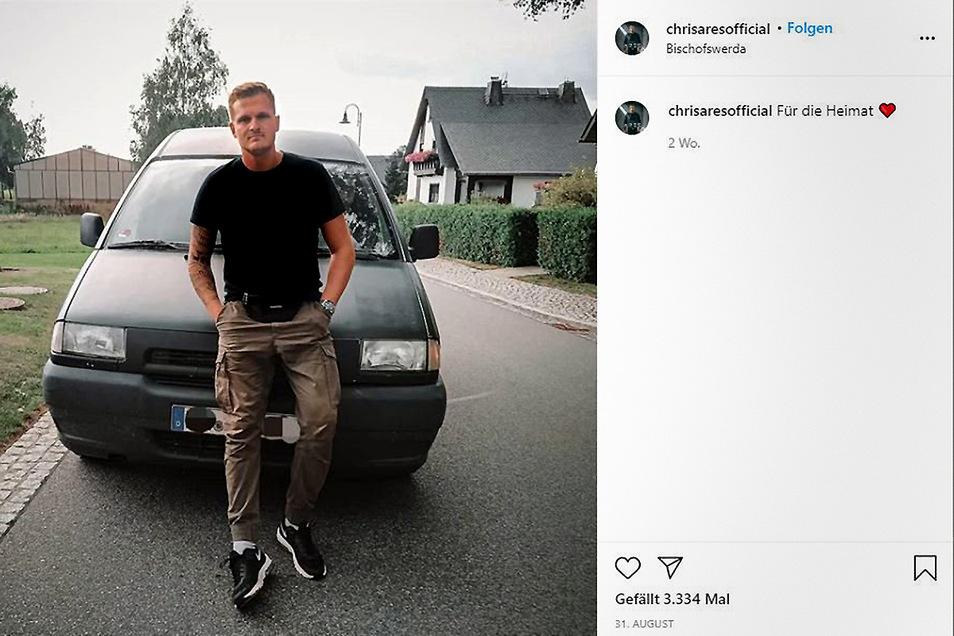 Ein Eintrag auf seinem Instagram-Profil vom 31. August zeigt den rechtsextremen Musiker Chris Ares auf der Hauptstraße von Weifa.