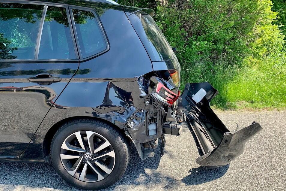 Das Motorrad krachte in das Heck des VW Golf.