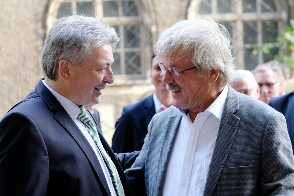 Zwei Kollegen: Steinbach mit seinem Vorgänger Rainer Kutschke, Landrat a.D. von Riesa-Großenhain.