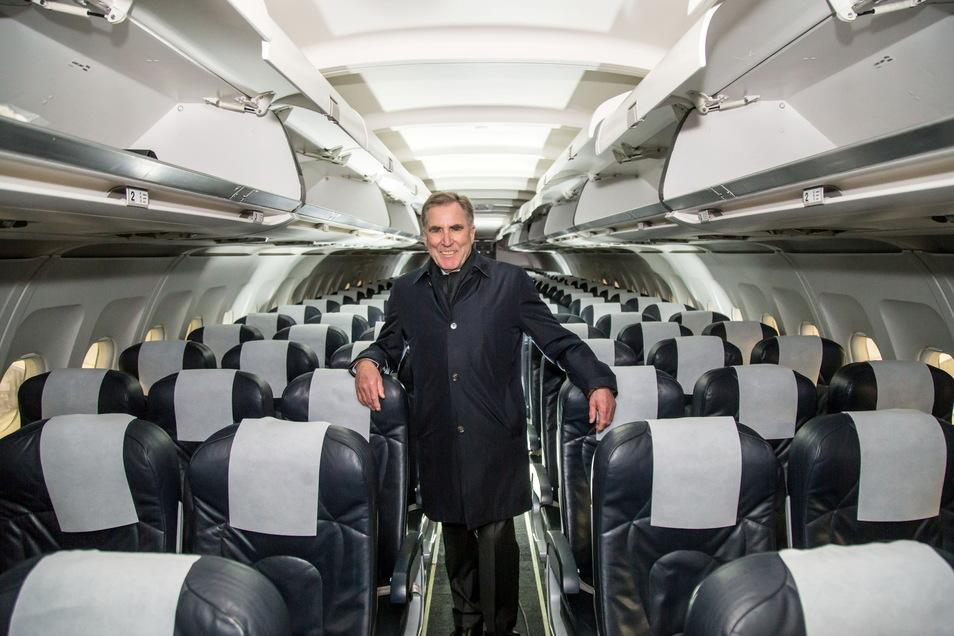 Im vergangenen Dezember freute sich Flugzeugwerke-Chef Andreas Sperl über den Beginn des Recycling-Projektes. Inzwischen ist das erste Flugzeug komplett zerlegt.