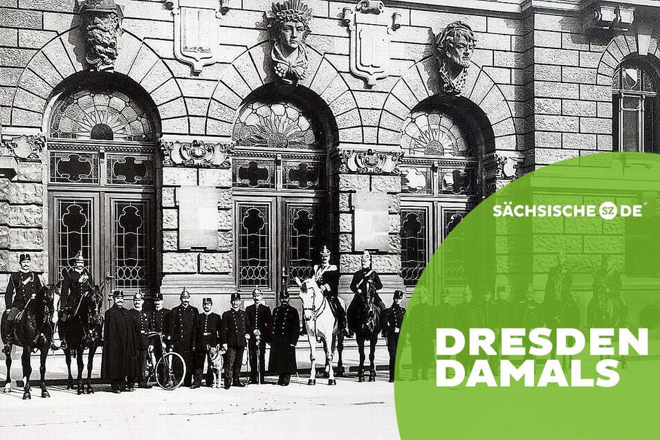Das Königliche Stadtgendarmerie-Korps vor dem 1901 eingeweihten Polizeipräsidium auf der Schießgasse. Es bestand damals aus 227 Mann, vor allem ehemaligen Unteroffizieren, die aus der Armee ausgeschieden waren.
