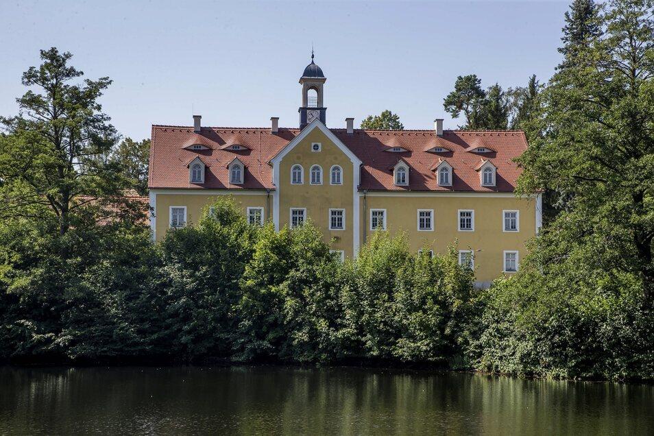 Noch steht das Jagdschloss in Grillenburg leer. In Zukunft soll darin ein Zentrum für die TU Dresden, aber auch für Besucher entstehen.