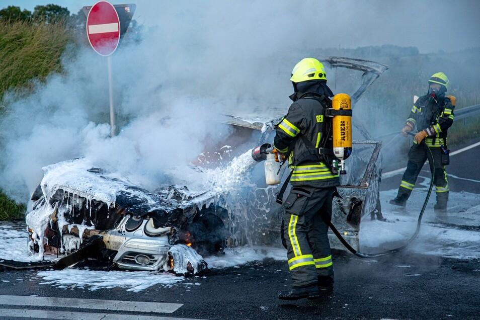 Kurz nachdem der Mann von der A 4 abgefahren war, ging sein Auto in Flammen auf.