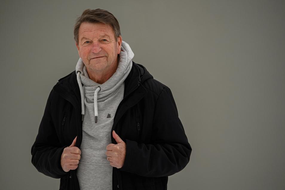 """Hans-Jürgen """"Dixie"""" Dörner hat Dynamo als Spieler geprägt und auch in schwierigen Zeiten nie mit dem Verein gebrochen. Jetzt wird er besonders geehrt."""