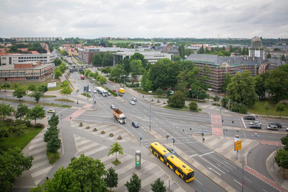 Viel Fahrbahn, wenig Grün: Der Fritz-Foerster-Platz am TU-Campus soll attraktiver werden.