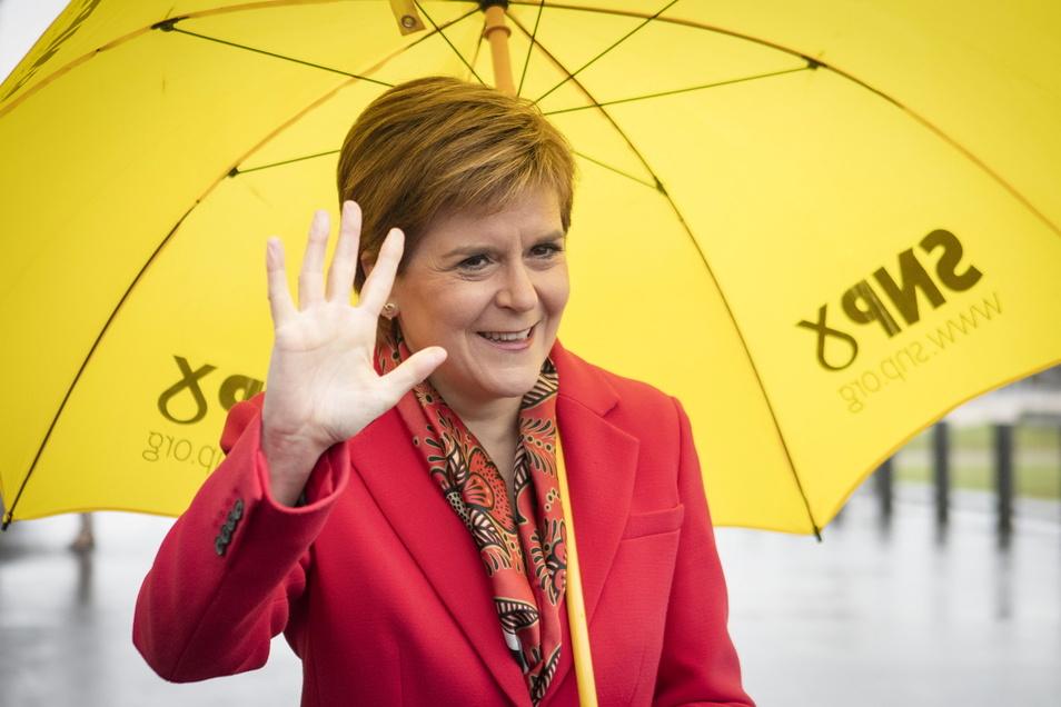 Nicola Sturgeons Scottish National Party (SNP hat bei den Wahlen in Schottland einen deutlichen Sieg eingefahren.