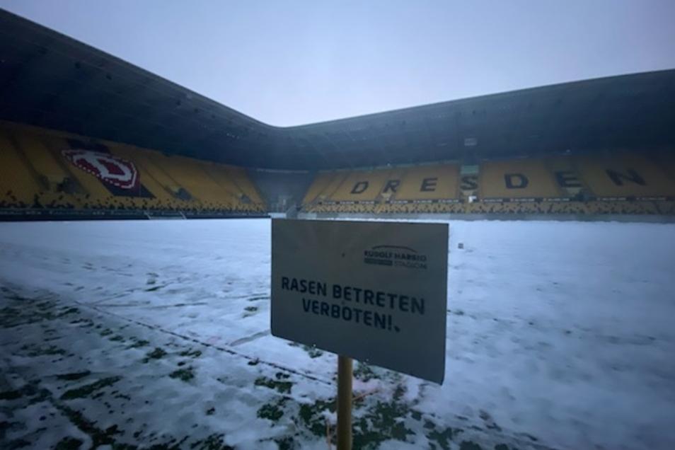 So sieht der Rasen im Dresdner Rudolf-Harbig-Stadion derzeit aus.