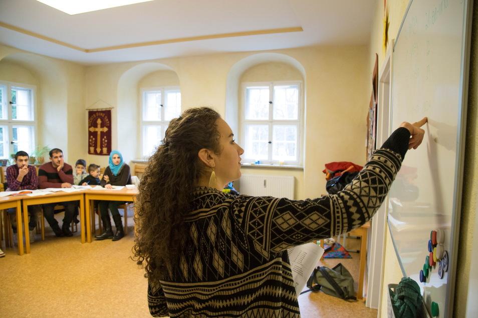 2016 führte Miriam Lehel im Pfarramt Kodersdorf einen Deutschkurs für Asylbewerber durch. Die Sprachbarriere gilt auch heute noch als wichtigstes Integrationshindernis.
