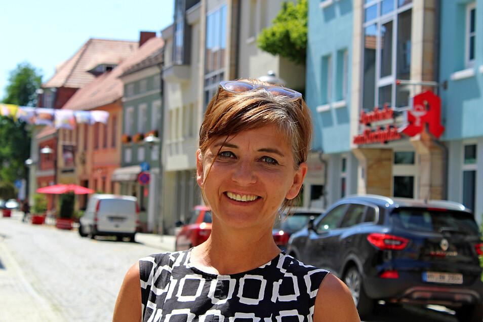 Dorit Baumeister ist City-Managerin in Hoyerswerda. Das Foto entstand beim Altstadt- Boulevard 2019.