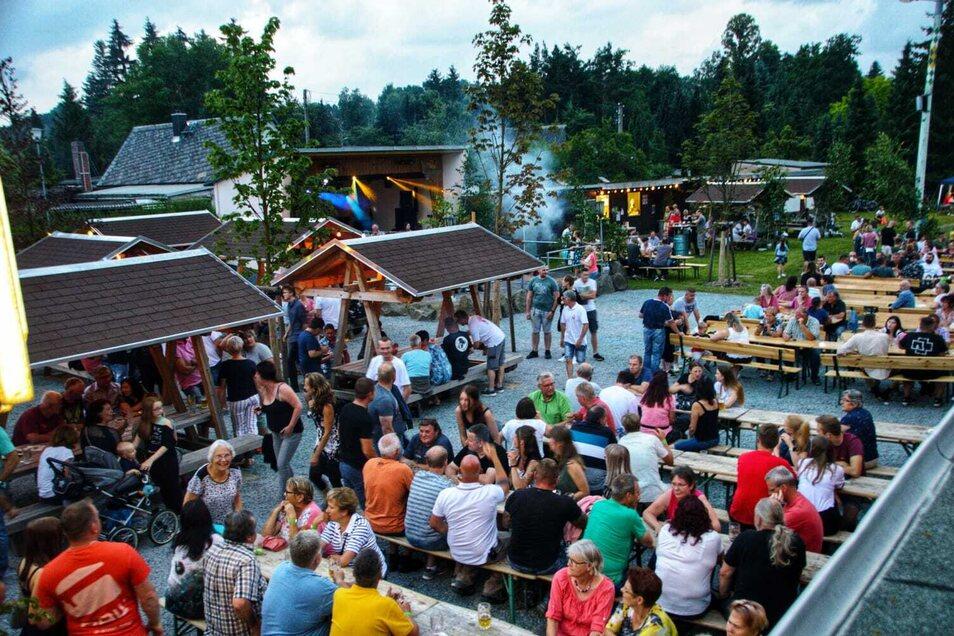 Die Festwiese war zum Friedersdorfer Heimatfest gut besucht.