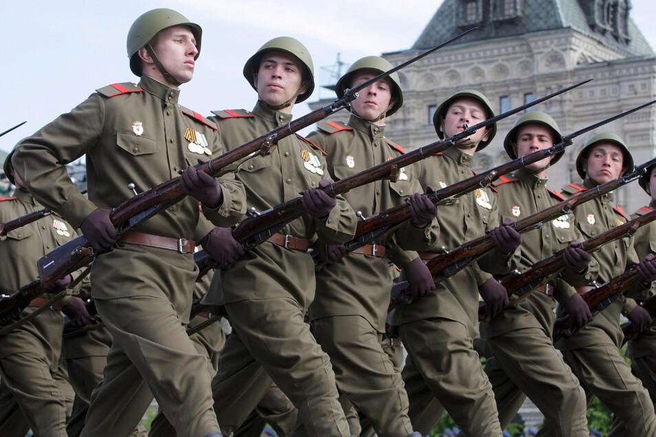 Mehr als 13.000 Soldaten werde heute über den Roten Platz marschieren.