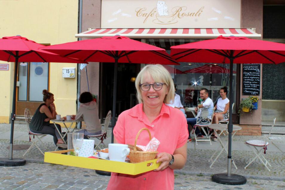Sylvia Hübner betreibt das Hoyerswerdaer Café Rosali.